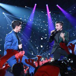 Alfred y Naim Thomas en la Gala de Navidad de 'OT 2017'