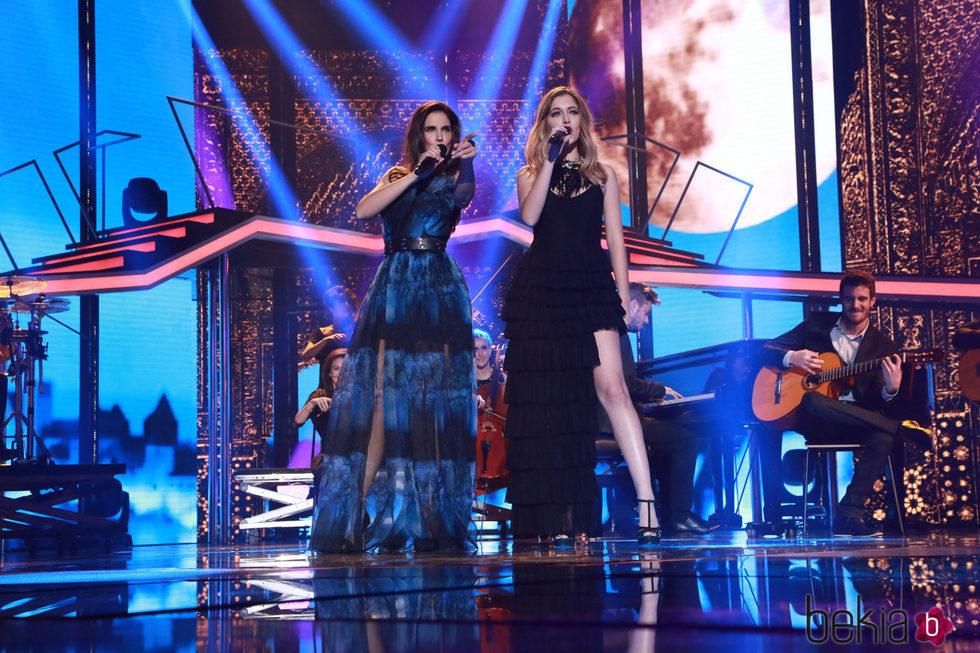 Nuria Fergó y Mireya en la Gala de Navidad de 'OT 2017'