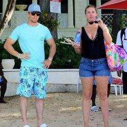 Mark Wahlberg y Rhea Durham en Barbados