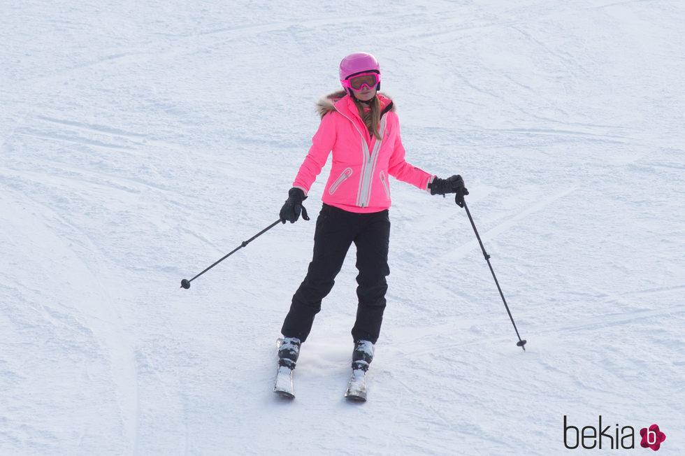 Paris Hilton, toda una experta en la nieve
