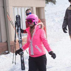 Paris Hilton, en la nieve con su novio