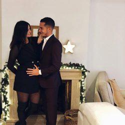 Lucas Vázquez y Macarena Rodríguez anunciando que van a ser padres