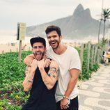 Pelayo Díaz y su novio Andy Mc Dougall en Nochevieja en Brasil