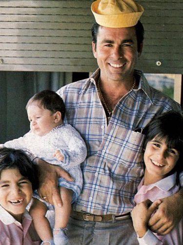 Kiko, Fran y Cayetano Rivera con Paquirri cuando eran pequeños