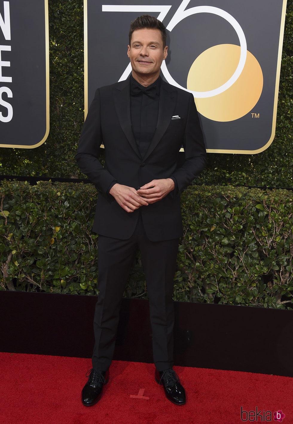 Ryan Seacrest en la alfombra roja de los Globos de Oro 2018