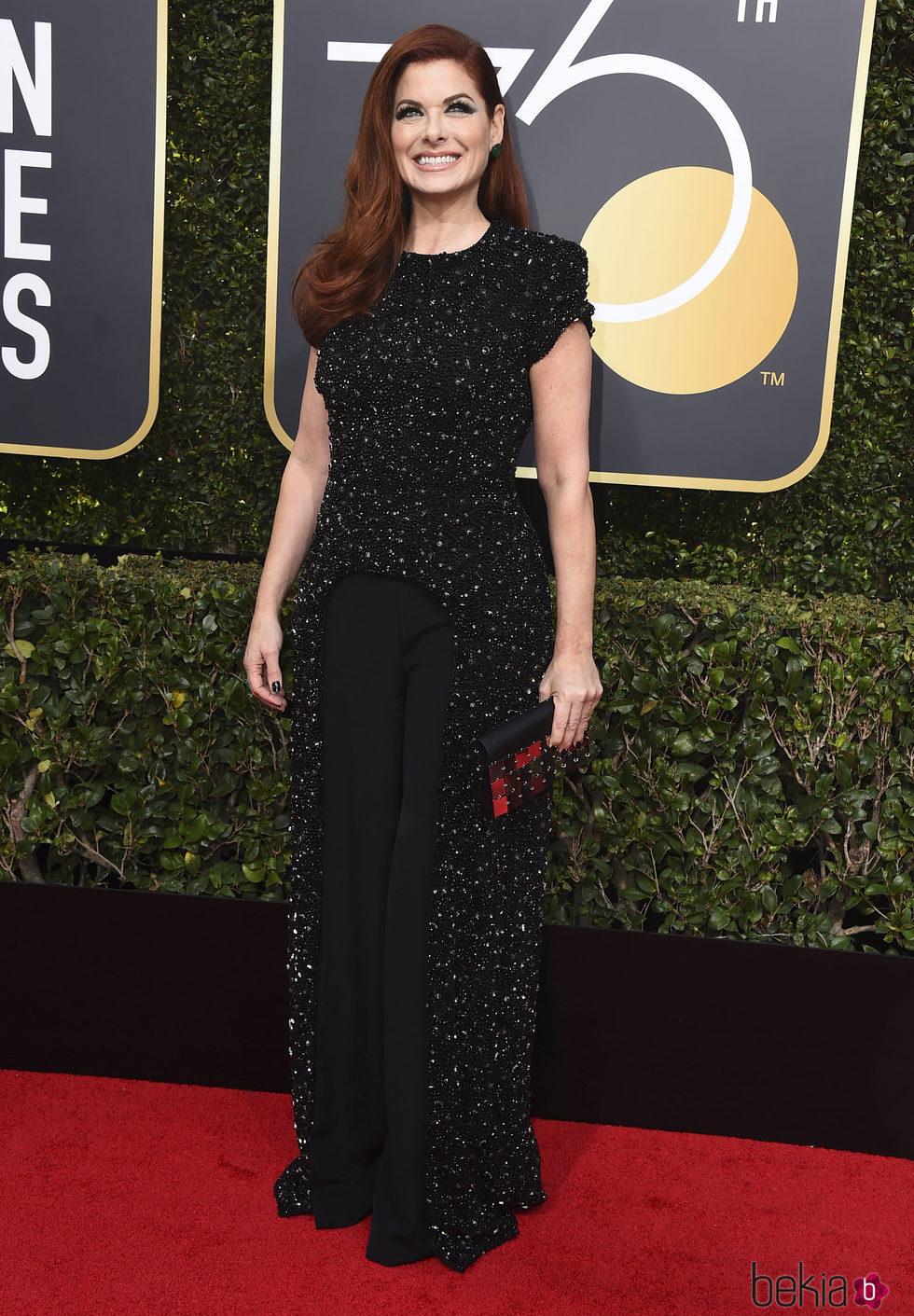 Resultado de imagen para alfombra roja de E! de los Globos de Oro, la actriz Debra Messing