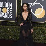 Catherine Zeta-Jones en la alfombra roja de los Globos de Oro 2018