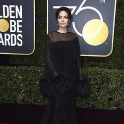 Angelina Jolie en los Globos de oro 2018