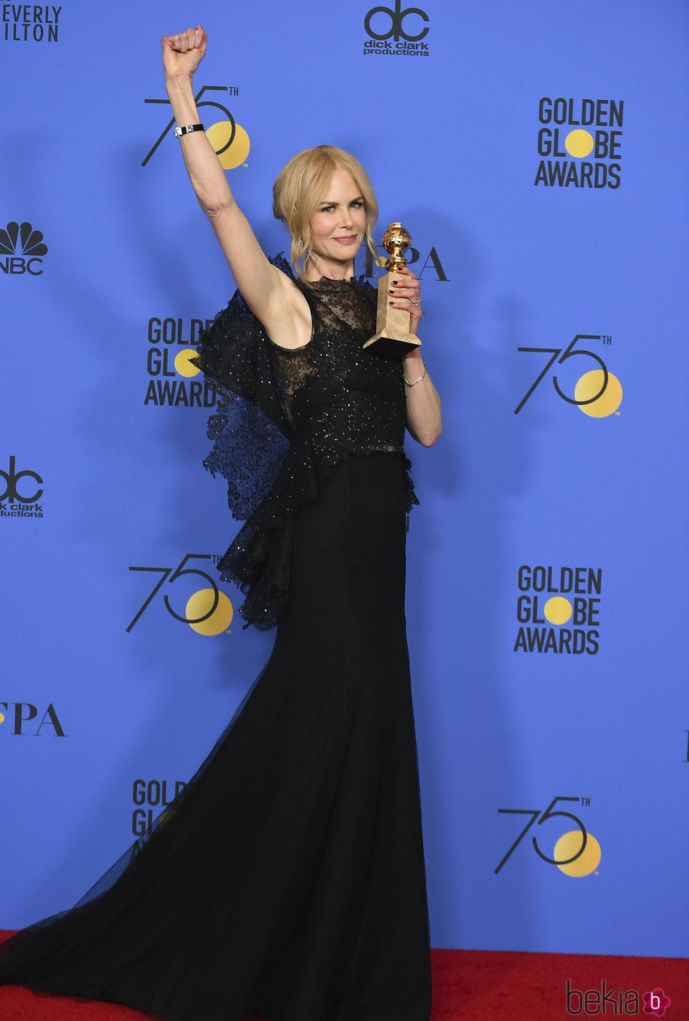 Nicole Kidman con su Globo de Oro 2018 por 'Big Little Lies'