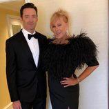 Hugh Jackman y Deborra-Lee Furnes en los Globos de Oro 2018