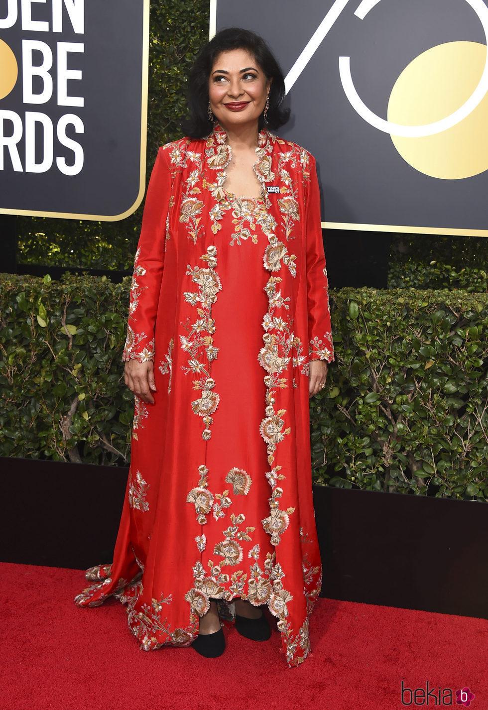 Meher Tatna, la Presidenta de la HFPA en la alfombra roja de los Globos de Oro 2018