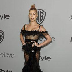 Hailey Baldwin en la fiesta InStyle tras los Globos de Oro 2018