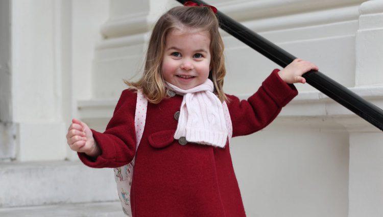La Princesa Carlota, feliz en su primer día de guardería