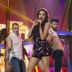 Ana Guerra durante su actuación en la gala 10 de 'OT 2017'