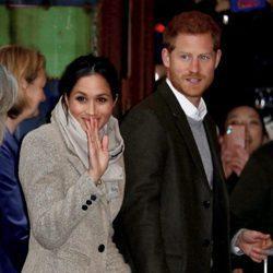 El Príncipe Harry y Meghan Markle visitan la radio Reprezent FM