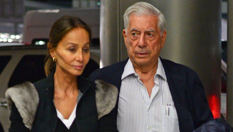 Isabel Preysler y Mario Vargas Llosa vuelven a España tras conocer a los hijos de Enrique Iglesias