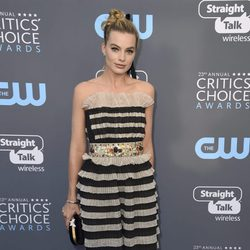 Margot Robbie en la alfombra roja de los Critics Choice Awards 2018