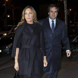 Gema Ruiz y Juan Díaz en el funeral de Carmen Franco