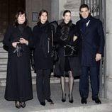 Carmen Martínez-Bordiú, Cynthia Rossi, Margarita Vargas y Luis Alfonso de Borbón en el funeral de Carmen Franco