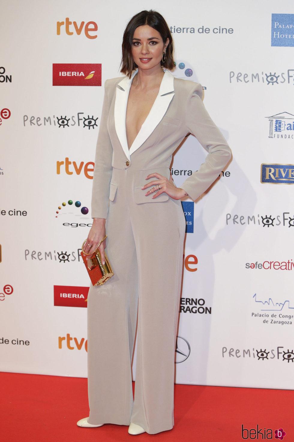 Dafne Fernández en la alfombra roja de los Premios Forqué 2018