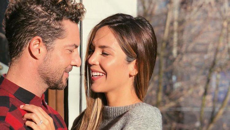 David Bisbal muy feliz tras pedir matrimonio a Rosanna Zanetti