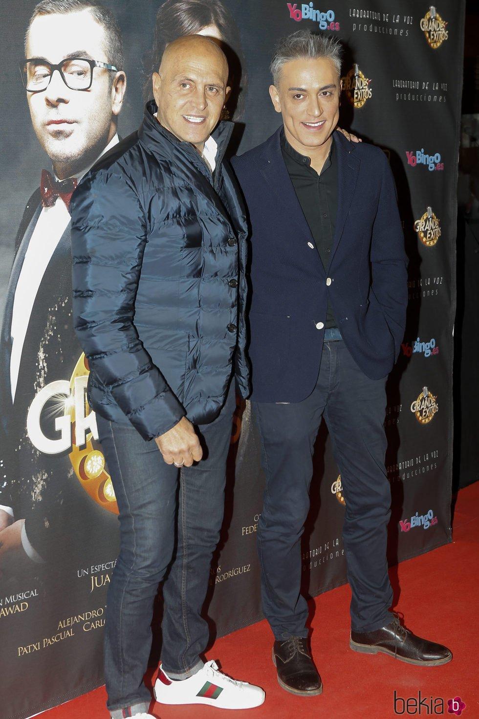 Kiko Matamoros y Kiko Hernández en el estreno de 'Grandes éxitos'