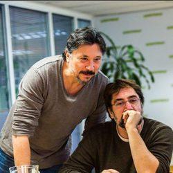 Javier y Carlos Bardem planeando su viaje a la Antártida con Greenpeace