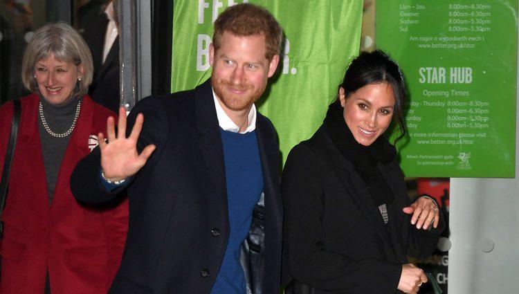 El Príncipe Harry y Meghan Markle en su primera visita oficial a Gales