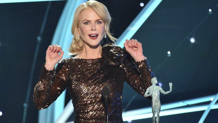 Nicole Kidman dando su discurso al recoger su galardón en la gala de los SAG 2018