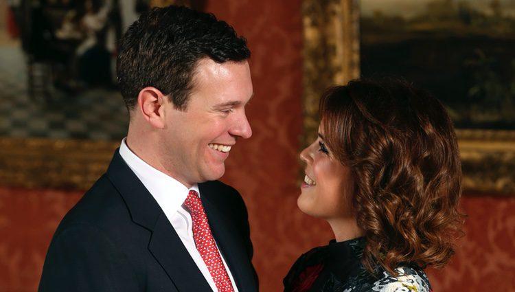La Princesa Eugenia de York y Jack Brooksbank se miran con amor tras anunciar su compromiso