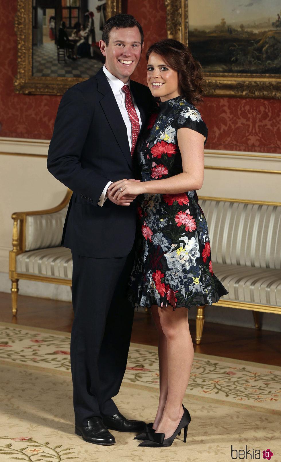 La Princesa Eugenia de York y Jack Brooksbank en el anuncio de su compromiso