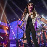Aitana cruzando la pasarela en la gala 12 de 'OT 2017'