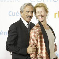 Imanol Arias y Ana Duato en la premier de la 19 temporada de 'Cuéntame'