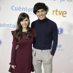 Paula Gallego y Oscar Casas en la premier de la 19 temporada de 'Cuéntame'