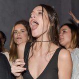 Andrea Molina cantando en el concierto de Marlon en Madrid