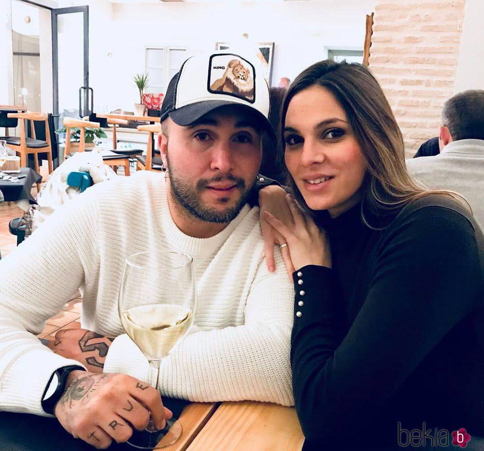 Kiko Rivera e Irene Rosales se muestran muy enamorados