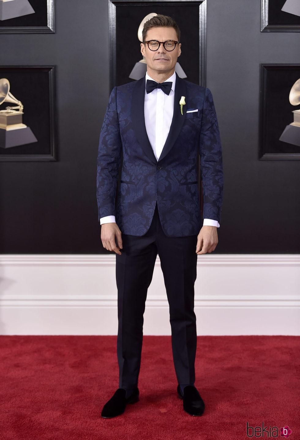 Ryan Seacrest en la alfombra roja de los Premios Grammy 2018