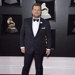 James Corden en la alfombra roja de los Premios Grammy 2018