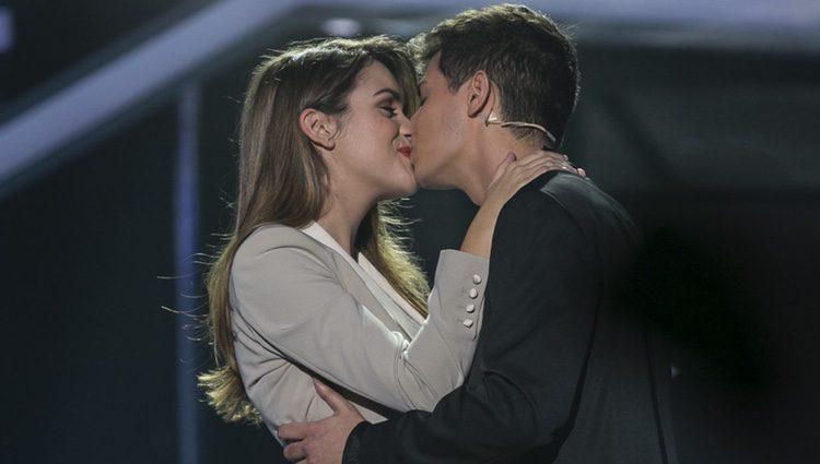 Alfred y Amaia se besan en la actuación de la preselección de Eurovisión en 'OT 2017'