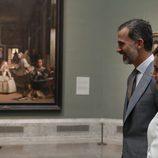Los Reyes Felipe y Letizia ante Las Meninas de Velázquez