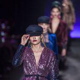 Alba Carrillo con un look muy brillante en el desfile de Lola Casademunt