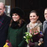 Los Duques de Cambridge con los Príncipes Victoria y Daniel de Suecia durante su viaje oficial