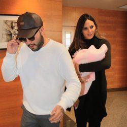 Kiko Rivera e Irene Rosales tras presentar a su hija Carlota