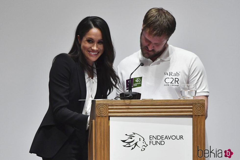 Meghan Markle entrega por primera vez un premio de Endeavour Fund