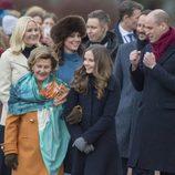 La Reina Sonia, la Princesa Ingrid Alexandra y Haakon y Mette-Marit de Noruega con los Duques de Cambridge