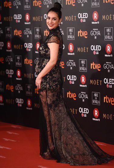 Cristina Brondo luciendo embarazo en la alfombra roja de los Premios Goya 2018