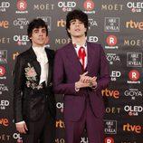 Javier Calvo y Javier Ambrossi en la alfombra roja de los Premios Goya 2018