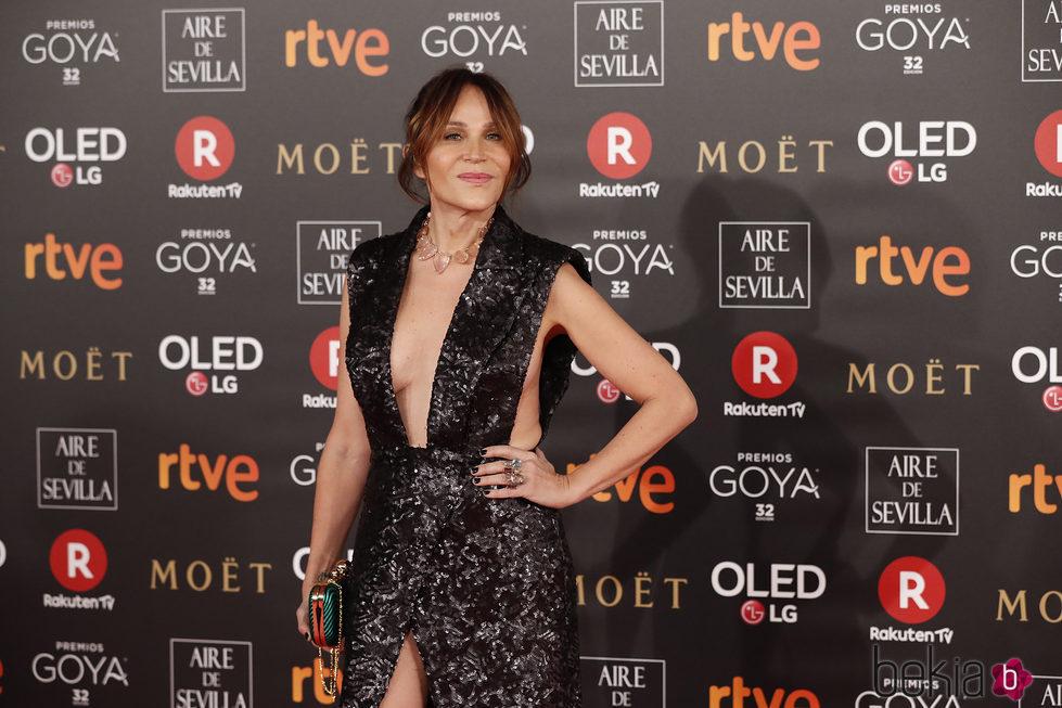 Antonia San Juan posando en la alfombra roja de los Premios Goya 2018