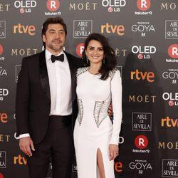 Penélope Cruz y Javier Bardem en la alfombra roja de los Premios Goya 2018