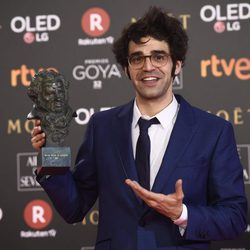 David Verdaguer con su galardón en los Premios Goya 2018